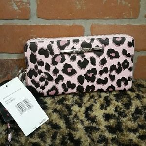 Betsey Johnson pink black wallet wristlet Zip New